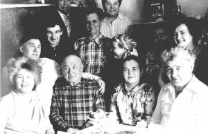 Мухарямов Талгат Махмутович (дер. Бишаул-Унгарово  Кармаскалинского района, 11.03.1924–11.05.1999).